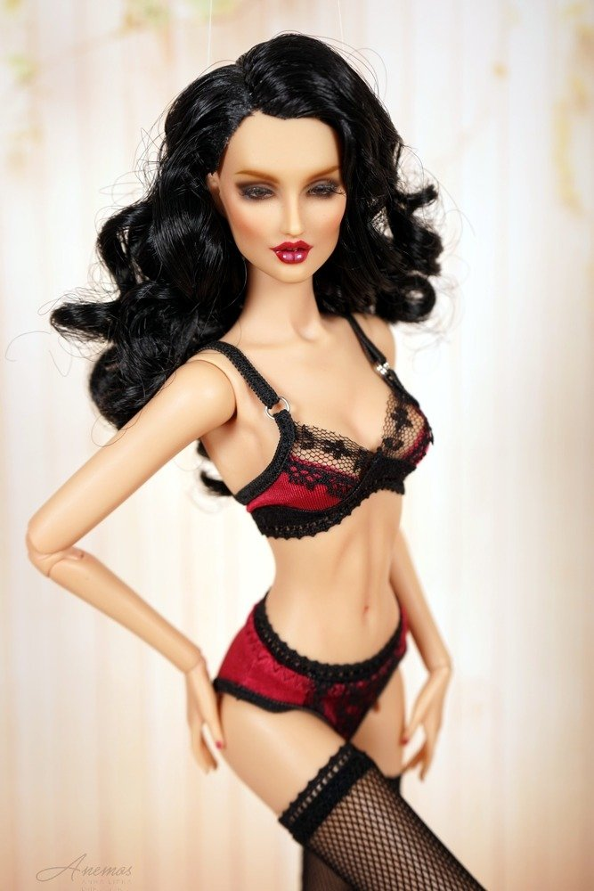"Burgundy and black lingerie for 16"" Kingdom Doll 1"