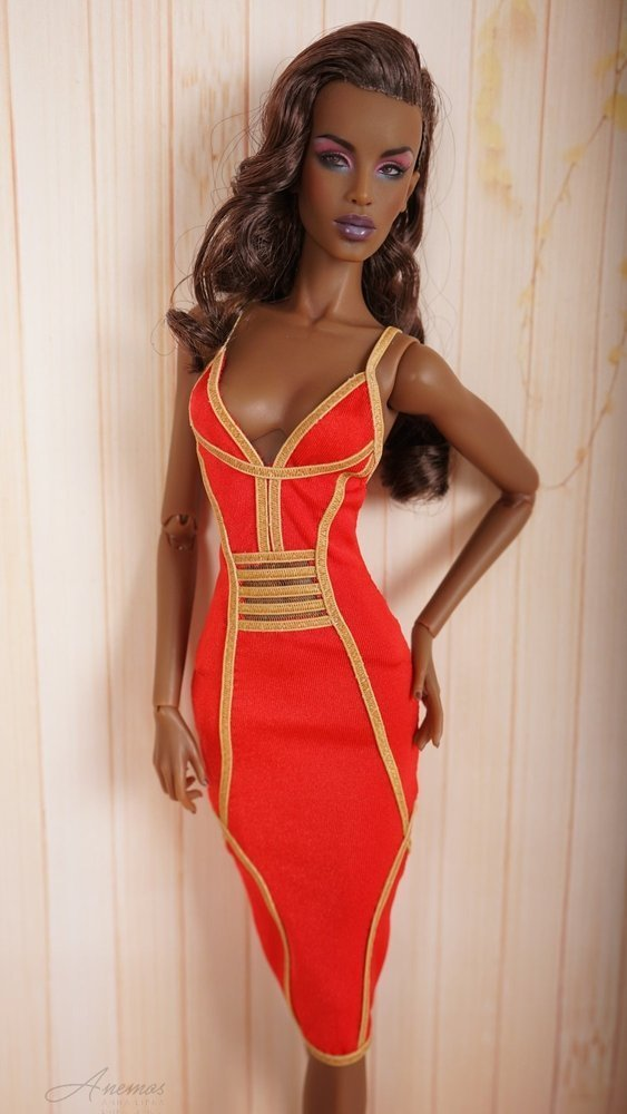 Red dress for 16 Kingdom Doll 1