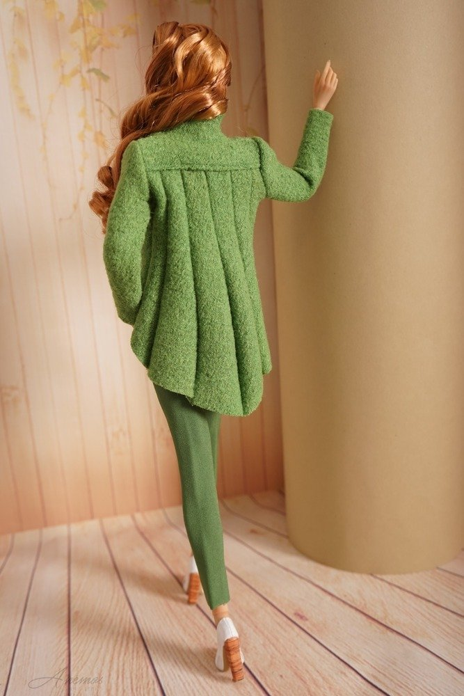 Green jacket for Kingdom Doll 1